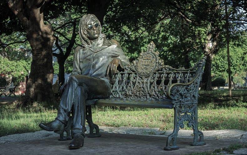 Estatua de John Lennon en La Habana | Rialta