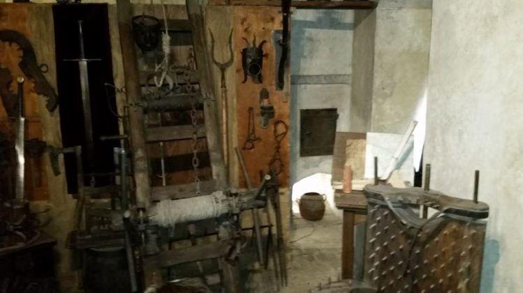 Instrumentos medievales de tortura Museo de Praga imagen cortesía del autor 1   Rialta
