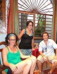 Coco Fusco con Sandra Ceballos y Ángel Delgado en Aglutinador 2009 | Rialta