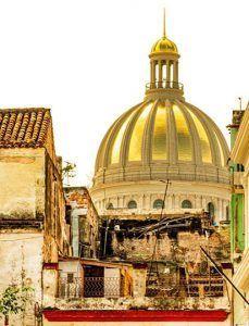 Vista de la cúpula dorada del Capitolio habanero | Rialta