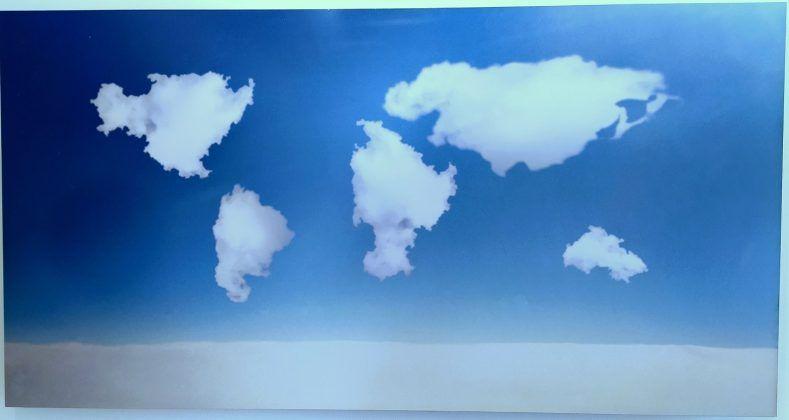 Entre el aire y los sueños El cielo del mundo' Glenda León 2003 | Rialta