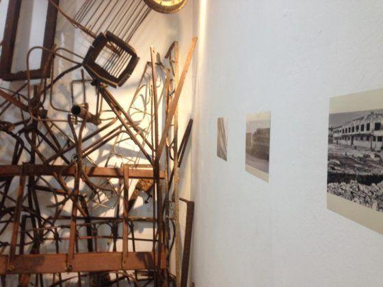 Ironic' Octavio Irving 2020 instalación objetos y fotografías dimensiones variables | Rialta