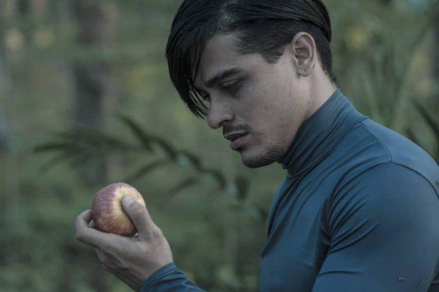 Januel Hernández interpreta a Searcy Foote. Serie dramática 'Spoon River' Perséfone Teatro | Rialta
