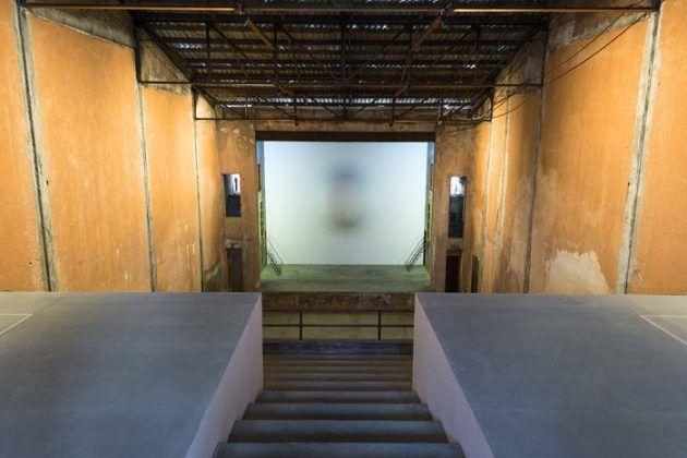 Vista interior del antiguo cine Águila de Oro hoy Galería Arte Continua. De la serie 'EXIT. Atlas de los cines habaneros' 2014 2019 | Rialta