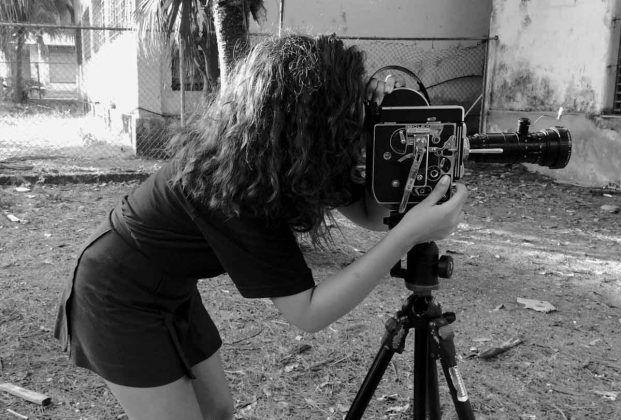 Lucy G. Morell filmando ʽSistema matutino' taller Mujeres con la cámara 2019 | Rialta
