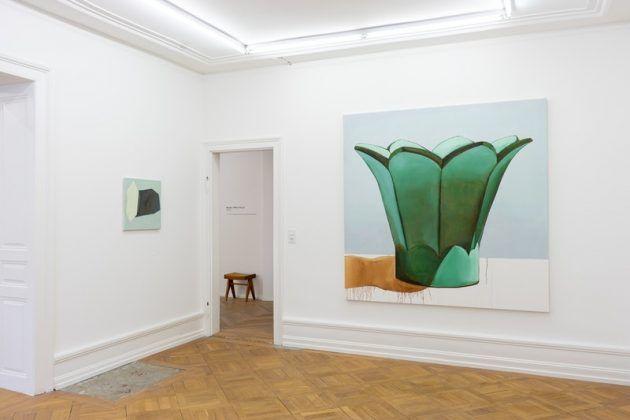 Vista de la exposición virtual ʽPerfume'en la MAI 36 Galerie 2 | Rialta