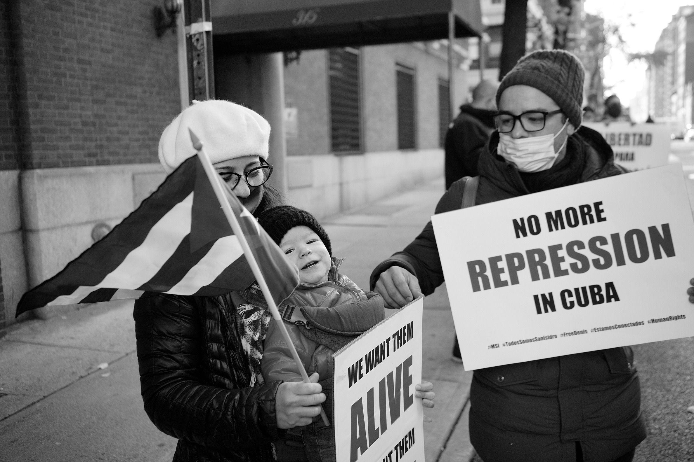 Cubanos en Nueva York se manifiestan en apoyo al movimiento San Isidro 2 | Rialta