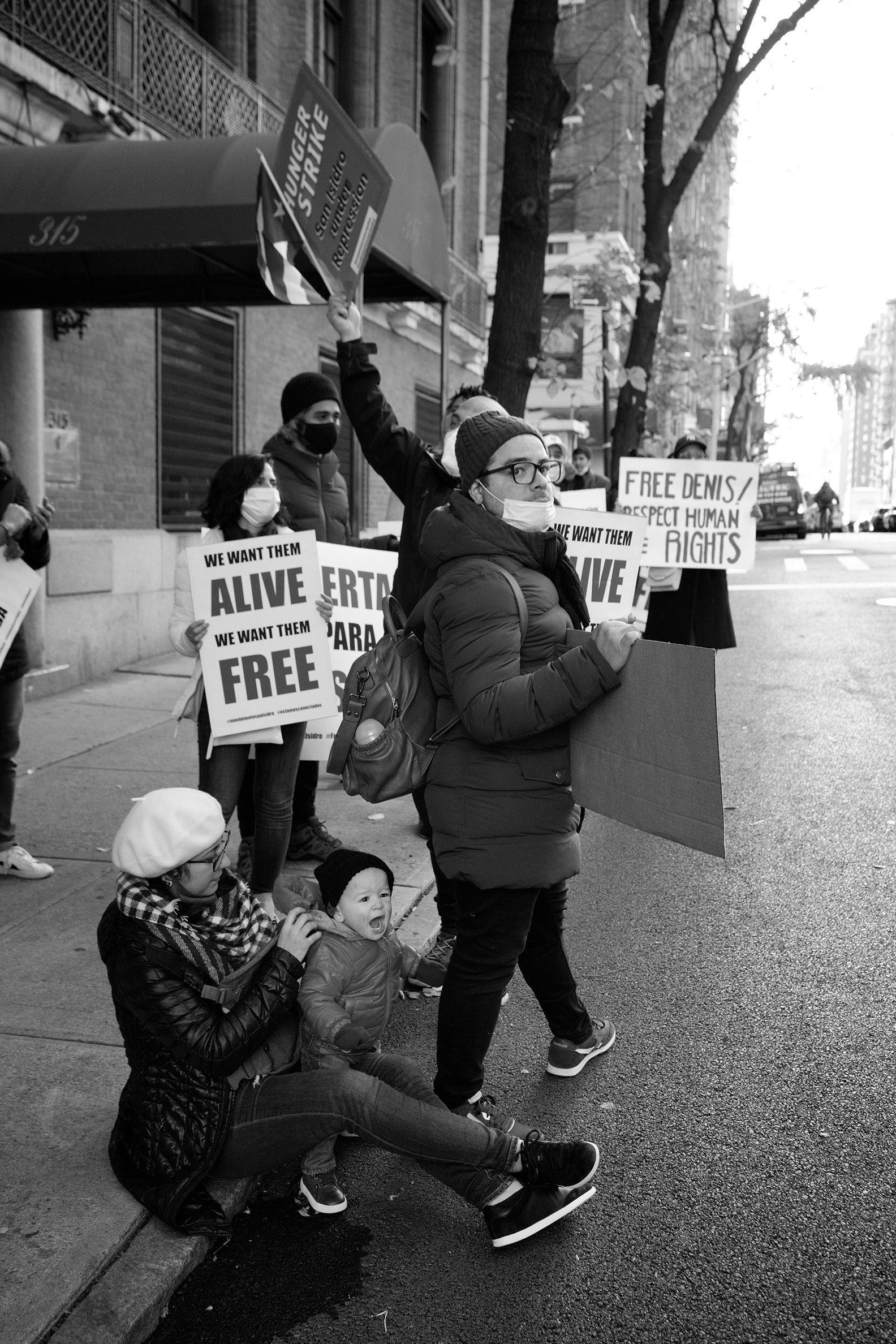 Cubanos en Nueva York se manifiestan en apoyo al movimiento San Isidro 7 | Rialta