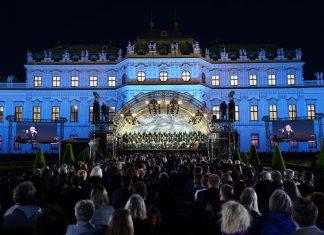 Este junio, la 'Novena Sinfonía' de Beethoven en ejecución, frente a la Schloss Belvedere de Viena (Foto: Roman Zach-Kiesling)