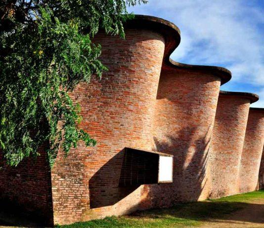 La iglesia de Atlántida, templo cristiano edificado en las afueras de Montevideo por el ingeniero uruguayo Eladio Dieste