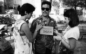 Juan-Sí González durante la acción 'Alegato contra la censura', 1988, G y 23, La Habana