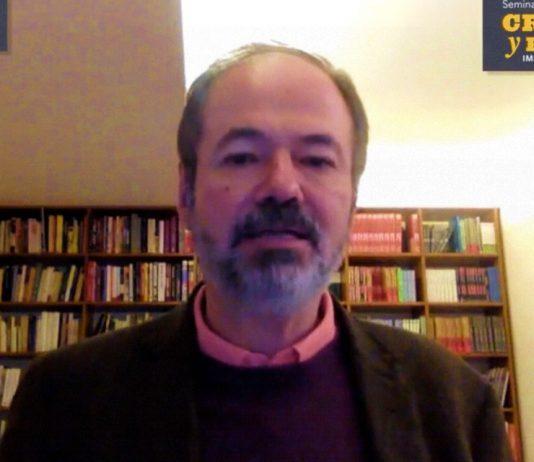Juan Villoro durante la sesión inicial del Seminario Crítica y Ficción