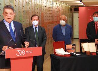 Sergio Ramírez y Leonardo Padura (primero y tercero por la izq.) en la Caja de las Letras del Instituto Cervantes, Madrid, España / Imagen: YouTube/Instituto Cervantes (captura de pantalla)